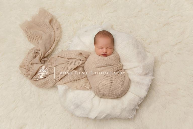 babyfotografie-in-muenchen-babyfotograf-liebevolle_und-natuerliche-babyfotos-anne-deml-greta8