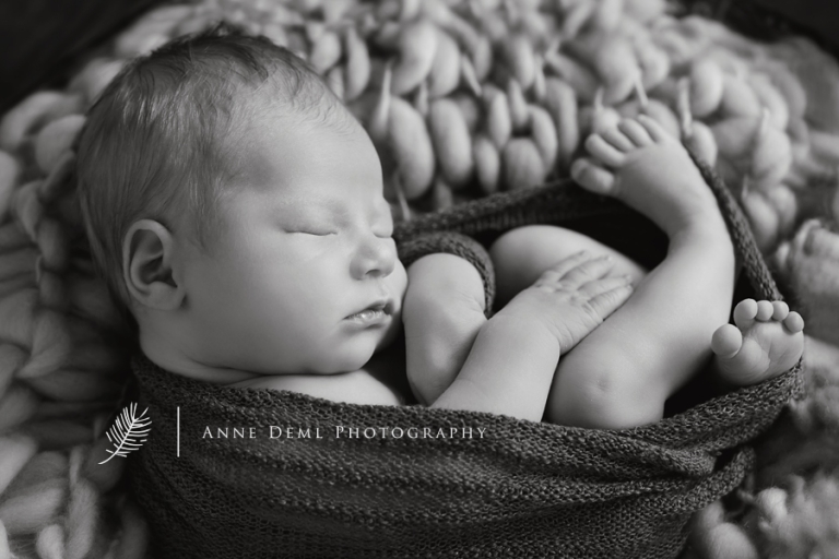 niedliche_babyfotos_muenchen_hebamme_geburt_fotostudio_babyfotograf_ingolstadt_freising_anne_deml_fotografie_marlene11