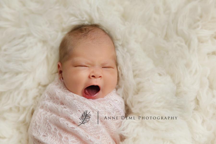 niedliche_babyfotos_muenchen_hebamme_geburt_fotostudio_babyfotograf_ingolstadt_freising_anne_deml_fotografie_marlene12