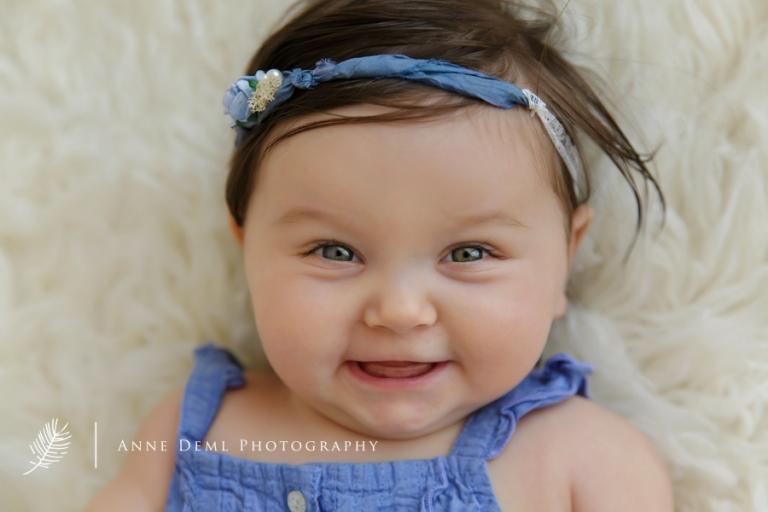 nackige_babyfotos_im_fotostudio_mit_babyfotografin_anne_deml_muenchen_besondere_erinnerungen_isabella12