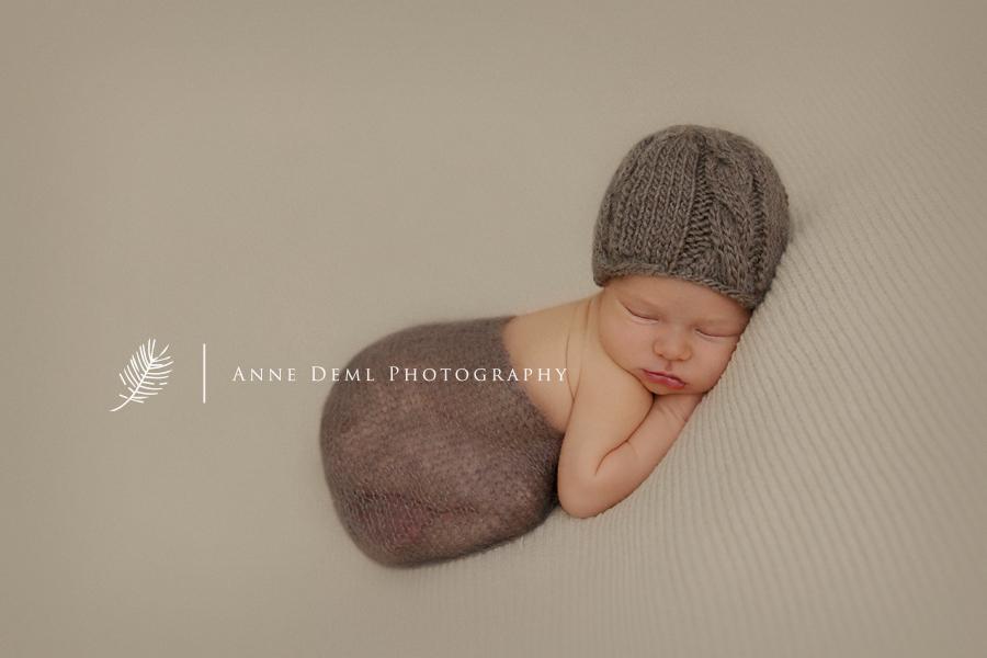 besondere_babyfotografie_guter_babyfotograf_exklusive_babyfotos_neugeborenenfotos_schwanger_babybilder_geburt_anne_deml_muenchen_augsburg_freising_krankenhaus_fotograf_noah4