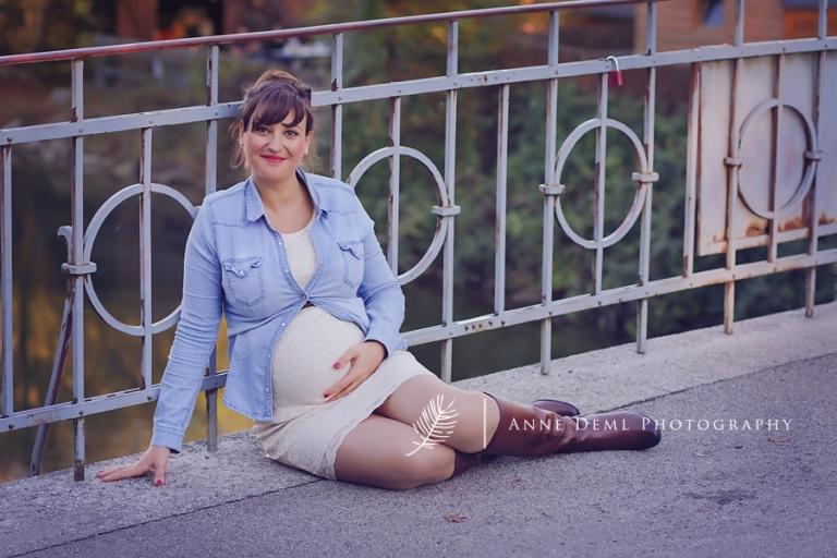 natuerliche_babybauchfotografie_muenchen_anne_deml_schwangerschaftsfotos_geburt_krankenhaus_schwanger_hebamme_fotostudio_babyfotograf_jacueline_3