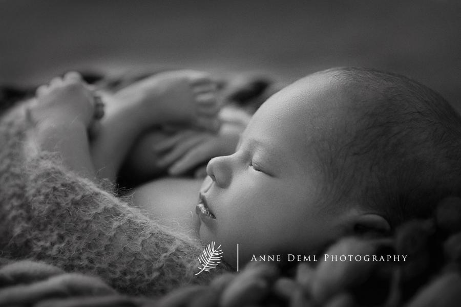 zarte_neugeborenenbilder_babyfotograf_anne_deml_muenchen_einzigartige_erinnerungen_babyfotos_geburt_krankenhaus_fotograf_noah8