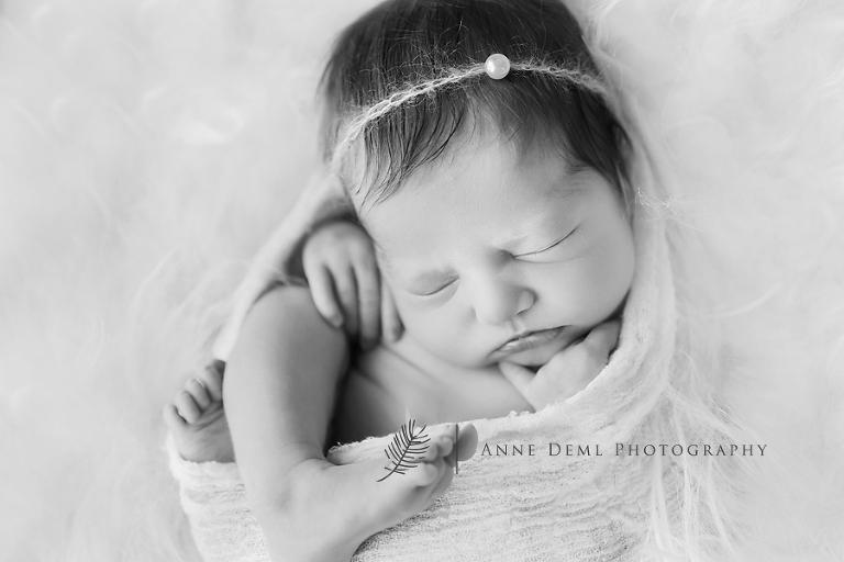 babyfotografin_anne_deml_niedliche_neugeborenenfotos_krankenhaus_muenchen_anne_deml_fotografie_geburt_ingolstadt_freising_charlotta_19