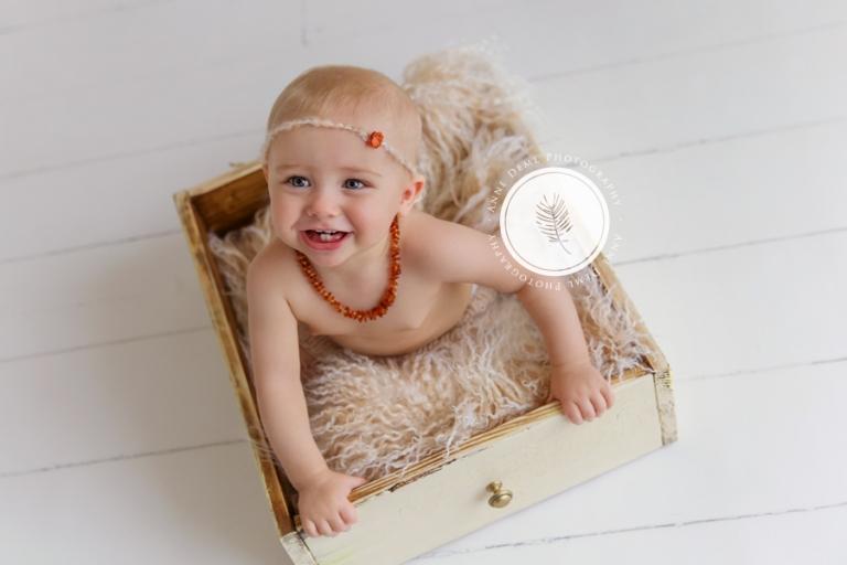 babyshooting_im_fotostudio_besondere_babybilder_babyfotografie_anne_deml_muenchen_ingolstadt_freising_augsburg_ungezwungene_babyfotos_marie_5