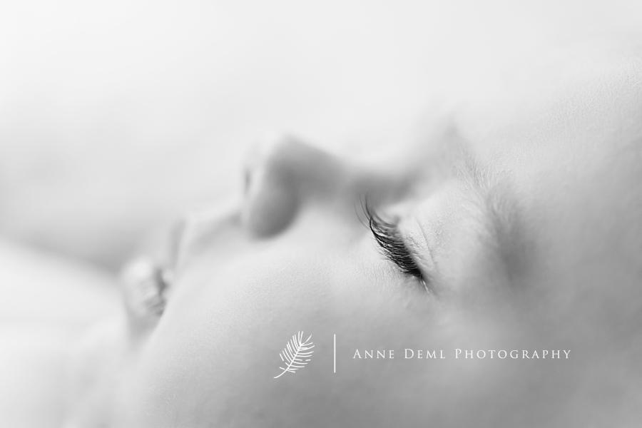 babyshooting_im_fotostudio_besondere_babybilder_babyfotografie_anne_deml_muenchen_ingolstadt_freising_augsburg_ungezwungene_babyfotos_marie_9