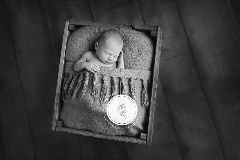 besondere_liebevolle_babyfotografie_babyfotograf_anne_deml_muenchen_freising_ingolstadt_babyfotos_neugeborene_anne_geddes_krankenhaus_schlafende_babybilder_jonas_14