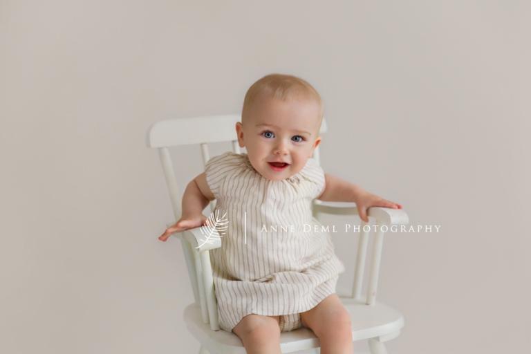 babyshooting_im_fotostudio_besondere_babybilder_babyfotografie_anne_deml_muenchen_ingolstadt_freising_augsburg_ungezwungene_babyfotos_marie_06