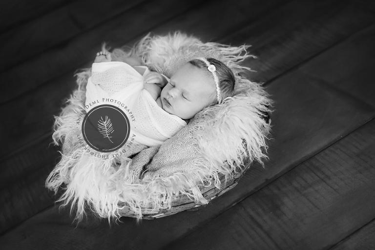 besondere_und_schoene_neugeborenenfotografie_anne_deml_babyfotograf_muenchen_charlotte_2