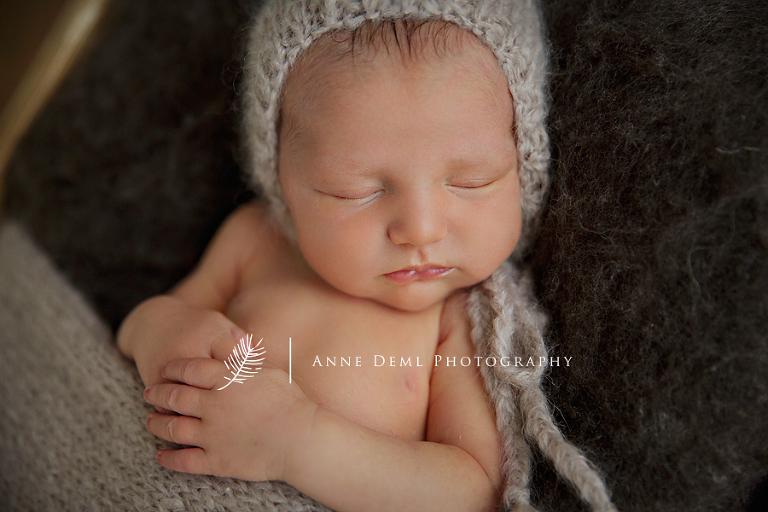 niedliche_babyfotos_neugebornenbilder_babyfotograf_fotostudio_muenchen_anne_deml_babyfotografie_geburt_neugeborenes_anne_geddes_freising_babyshooting_tim_09