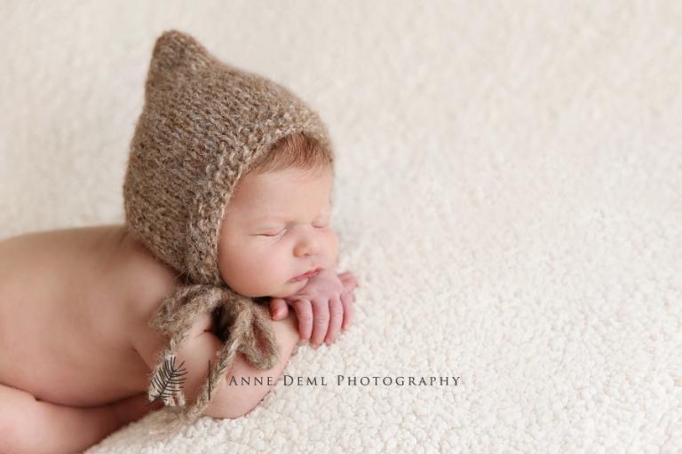 professionelle_neugeborenenfotos_fotostudio_babyfotograf_anne_deml_muenchen_geburt_babybilder_krankenhaus_hebamme_flynn_02