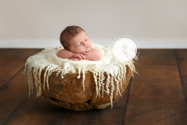 professionelle_neugeborenenfotos_fotostudio_babyfotograf_anne_deml_muenchen_geburt_babybilder_krankenhaus_hebamme_flynn_03