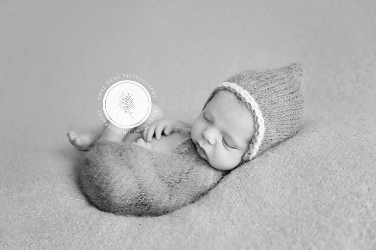 neugeborenenfotos_augsburg_neugeborenenfotograf_muenchen_neugeborenenshooting_geburt_hebamme_anne_deml_fotografie_babyfotograf_freising_suesse_babybilder_muenchen_mio_6