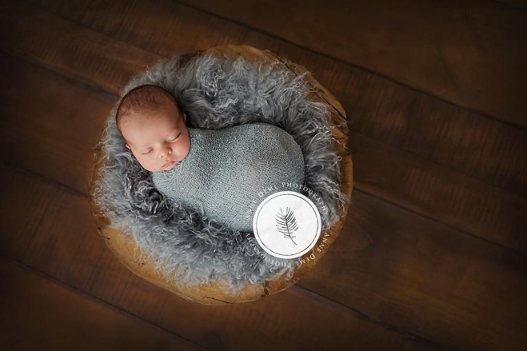 niedliche_babyfotos_augsburg_neugeborenenfotos_muenchen_babyfotograf_anne_deml_fotostudio_fotoatelier_baby_geburt_hebamme_neugeborene_mio_3