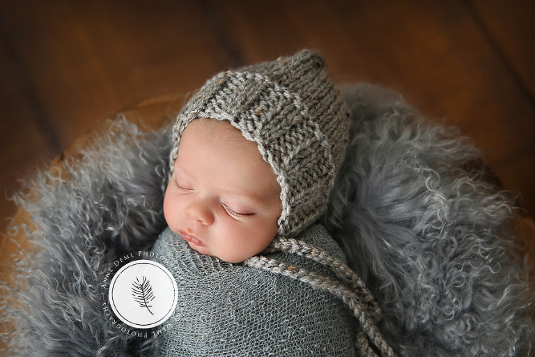niedliche_babyfotos_augsburg_neugeborenenfotos_muenchen_babyfotograf_anne_deml_fotostudio_fotoatelier_baby_geburt_hebamme_neugeborene_mio_4