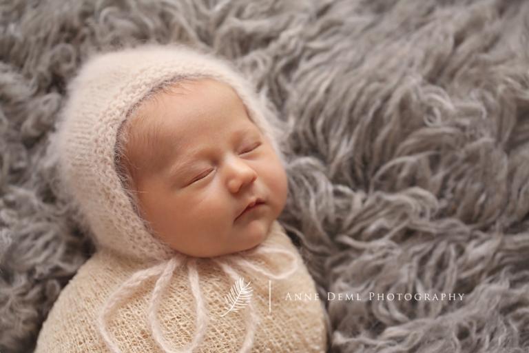 babyfotos_muenchen_neugeborene_suesse_babybilder_anne_deml_babyfotografin_sara_6