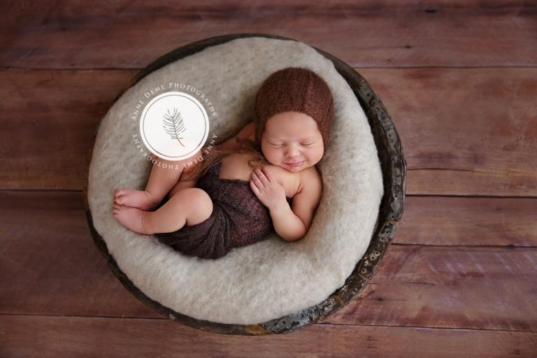 suesse_neugeborenenbilder_muenchen_fotostudio_anne_deml_hebamme_geburt_baby_clara