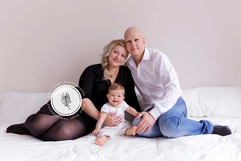 babyfotos_mit_eltern_elternbilder_babyshooting_babyfotograf_muenchen_anne_deml_fotostudio_babybilder_isabell_11