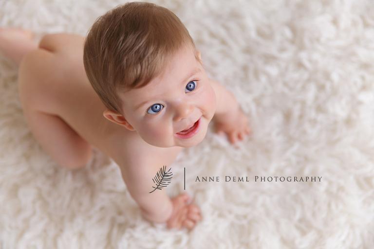 suesse_ungezwungene_babyfotos_babybilder_muenchen_babyfotografie_freising_babyshooting_anne_deml_isabell_1
