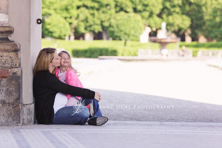 babybauch_familienshooting_familienbilder_babyauchfotos_muenchen_anne_deml_fotostudio_babyfotograf_bayern_kathrin_5