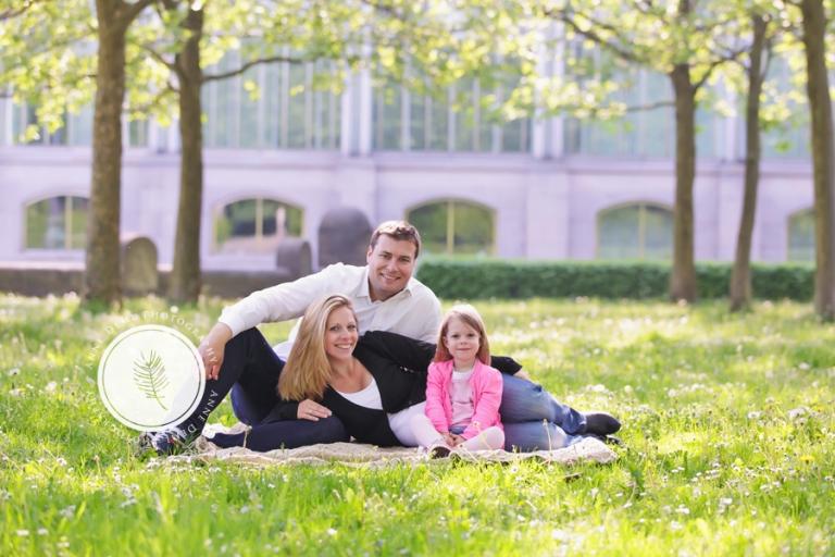 natuerliche_babybauchfotos_muenchen_outdoorshooting_babybauchfotografie_schwanger_geburt_krankenhaus_kathrin_1