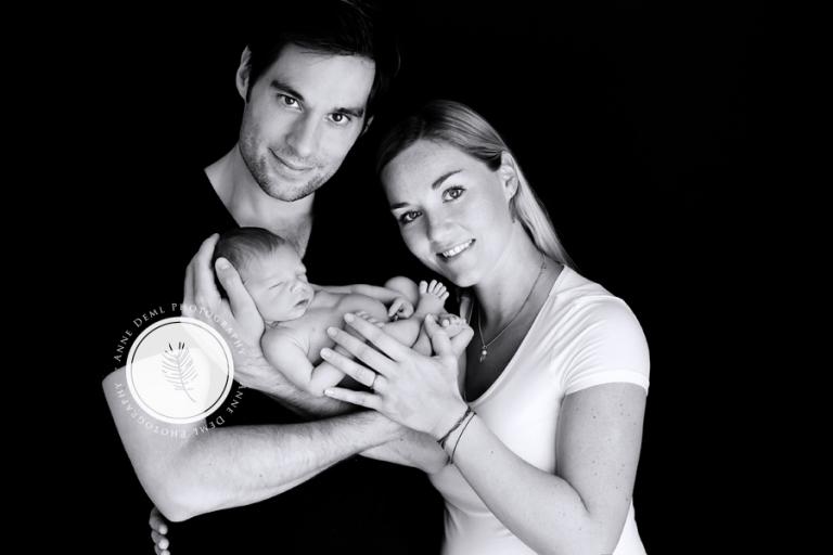 babyfotos_mit_eltern_neugeborenenfotos_babybilder_muenchen_anne_deml_babyshooting_professionell_10