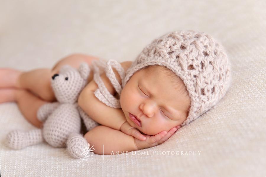 babyfotograf_muenchen_babybilder_augsburg_anne_deml_babyshooting_babyzimmer_neugeborenenshooting_liebevolle_babyfotos_leonie_14