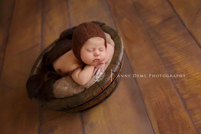 babyfotograf_muenchen_babybilder_augsburg_anne_deml_babyshooting_babyzimmer_neugeborenenshooting_liebevolle_babyfotos_leonie_16