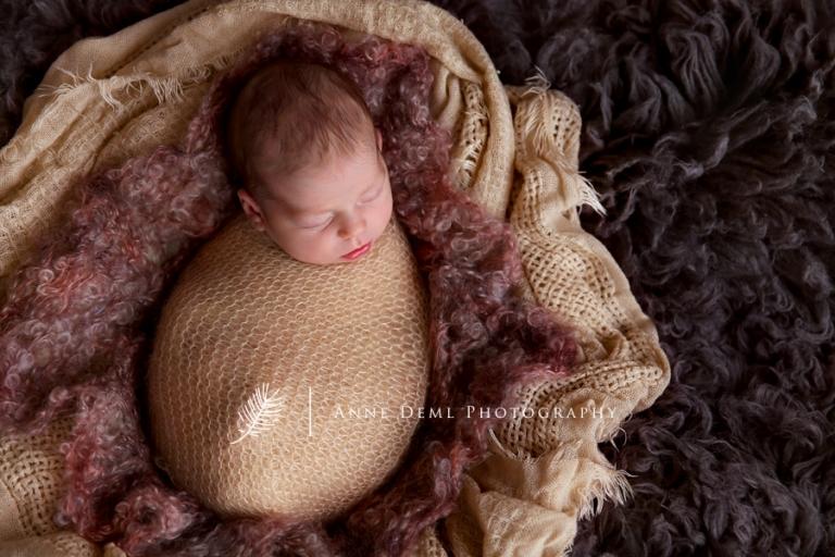 babyfotograf_augsburg_anne_deml_neugeborenenbilder_fotostudio_muenchen_victoria_5