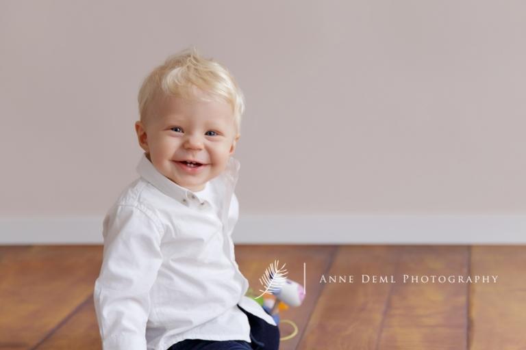 babyfotos_natuerlich_ungezwungen_babyshooting_augsburg_anne_deml_babyfotograf_muenchen_vincent_5