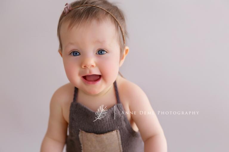 babyfotos_mama_baby_natuerliche_babybilder_babyshooting_anne_deml_fotografie_babyfotograf_muenchen_baby_emily_8
