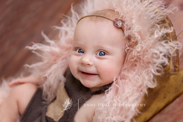 niedliche_Babyfotos_Augsburg_Babyshooting_freising_professionelle_Babyfotografie_muenchen_anne_deml_babyfotograf_fotostudio_zoe_02