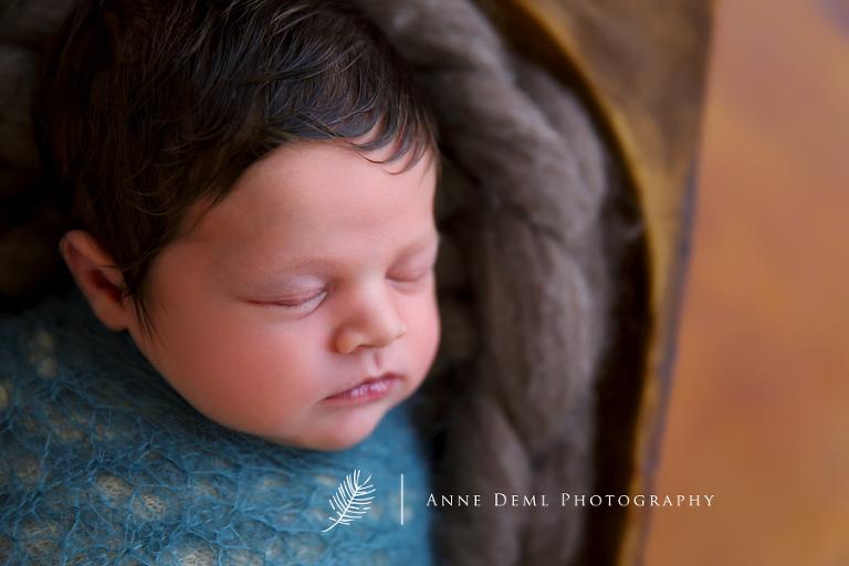 besondere_neugeborenenbilder_muenchen_neugeborenenshooting_augsburg_fotostudio_anne_deml_baby_babybilder_freising_marlene_09